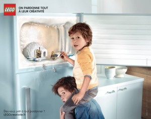 lego-france-publicité-print-affiche-marketing-enfants-creatifs-on-pardonne-tout-a-leur-creativite-agence-grey-2