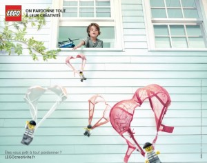 lego-france-publicité-print-affiche-marketing-enfants-creatifs-on-pardonne-tout-a-leur-creativite-agence-grey-3